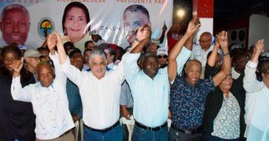 Miguel Vargas encabeza acto de apoyo a candidatos municip
