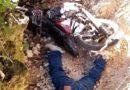 Un motociclista es encontrado muerto en una cuneta