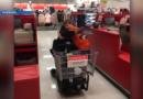 Un niño de 10 años de Alabama devuelve $ 900 a una mujer que perdió el sobre en Target