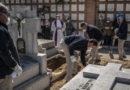 España prohíbe todos los velatorios y funerales y al entierro