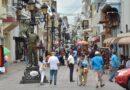 Los dominicanos se echan a las calles para despedir la cuarentena