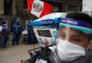 Perú registra récord de casos de covid-19 mientras repone toque