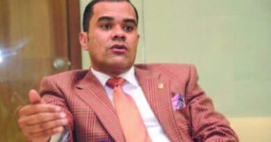 Legisladores piden funcionarios recibir perremeístas