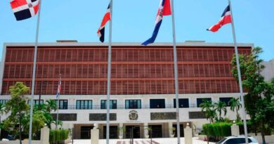 Mil 300 ciudadanos firman petición eliminar uso «barrilito y cofrecito»