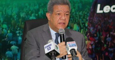 Leonel Fernández hace llamado de alerta ante incremento en los precios de alimentos básicos