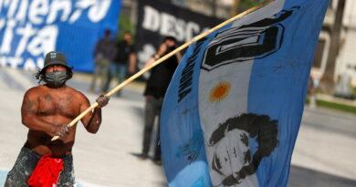 """La emotiva carta de Macron para despedir a Maradona que provocó la respuesta de Alberto Fernández: """"Va directo al corazón"""""""
