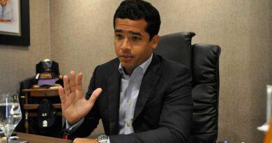 Omar Fernández pide Abinader llevar hasta 2021 programas de ayudas