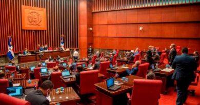 Vuelve a conocerse proyecto de ley que crearía cinco divisiones