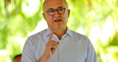 Domínguez Brito considera urgente retomar programas sociales y apoyar producción nacional