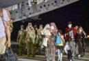 Reportan que un avión italiano fue blanco de disparos al despegar del aeropuerto de Kabul con evacuados a bordo