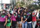 Una masiva 'ola verde' toma Caracas para exigir la despenalización del aborto en Venezuela