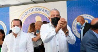 Andrés Bautista se suma a las actividades del PRM en acto en su natal Moca