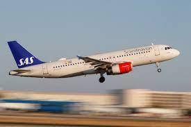 Cuáles son las 4 aerolíneas que dejaron de exigir el uso de mascarillas en vuelo para algunos destinos