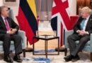 La no tan velada estrategia de Reino Unido para «mejorar su percepción» en Colombia (mientras financia a la Policía y continúa su inversión minera)